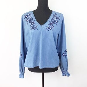 Charlotte Russe Chambray Embroidered Top XL (1071)